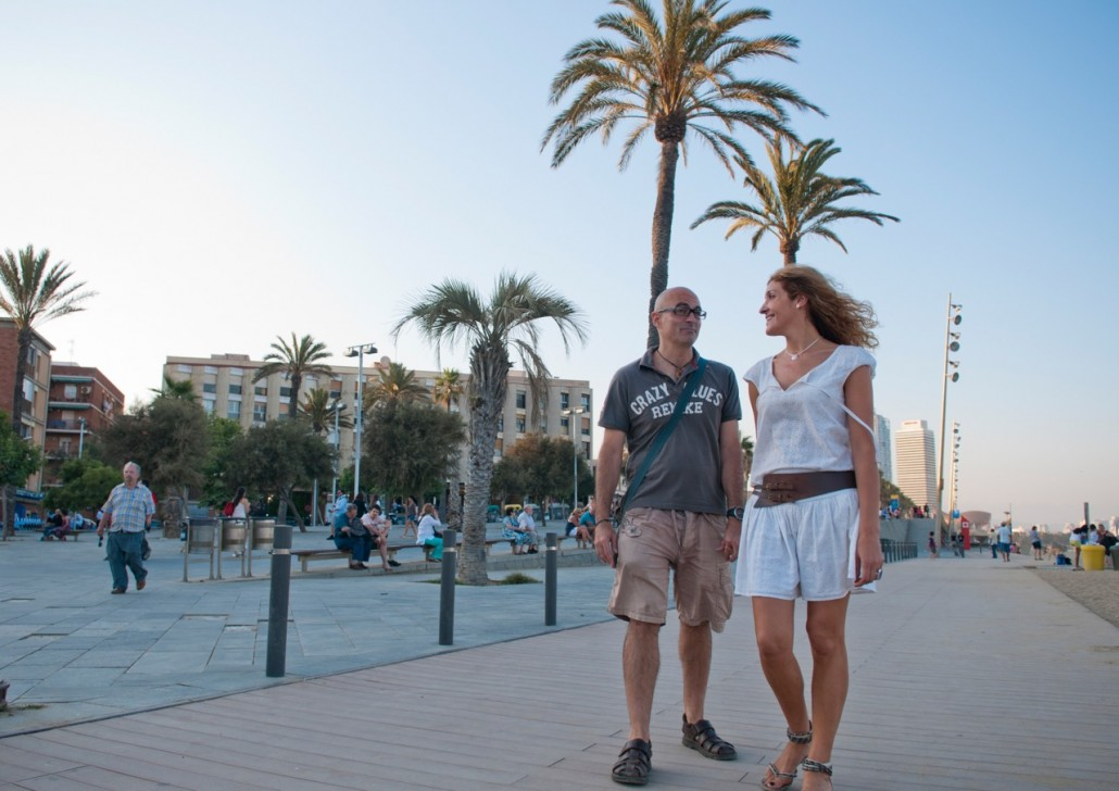 we headed for the cool sea water and a walk along the shore at Passeig Maritim