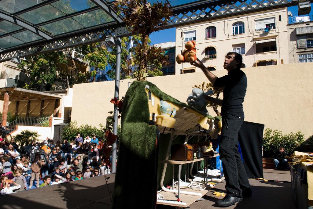 Spain, Barcelona. The Gardens and Public Courtyards: the courtyard of the Casa de Elizalde cultural center (Calle València, 302), where you can often catch a weekend children's show.