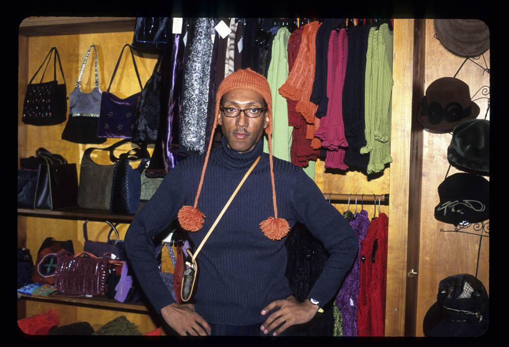 Young man in M SoniÌ shop, Est Village
