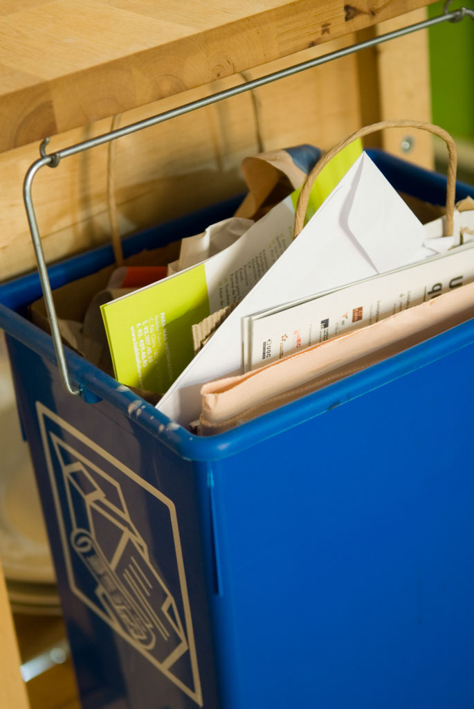 blue container recycling paper bin (kitchen detail)